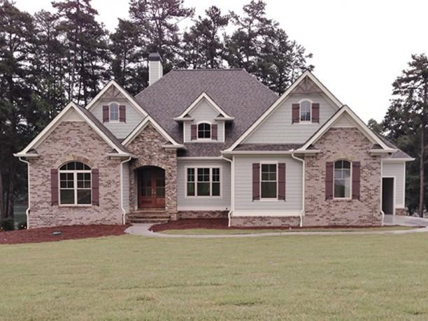 Maravillosa casa de estilo americano con espacios amplios for Casas estilo americano