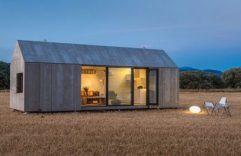 Casa prefabricada pequeña, diseño económico y funcional de un solo bloque.