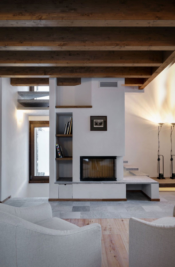 Peque a vivienda estilo tradicional exteriores r sticos e interiores modernos mundo fachadas Interiores modernos