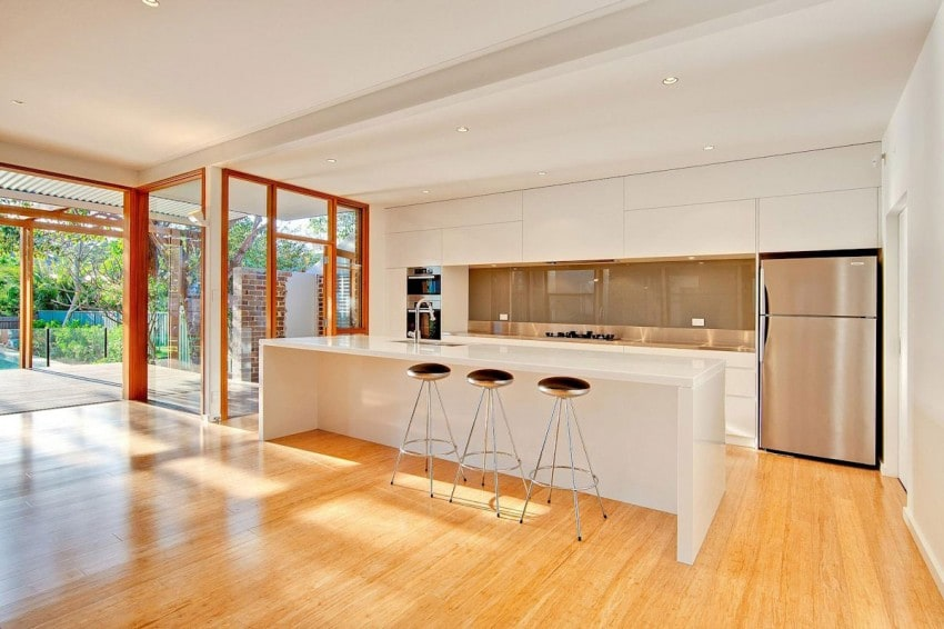 The Classic and the Modern, together at the same time, result in this beautiful 6 home