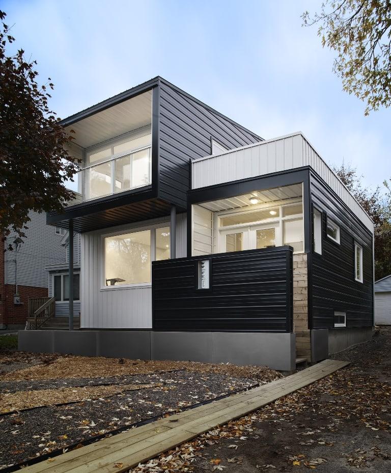 Casa con fachada met lica y construcci n ligera - Construccion de casas modernas ...