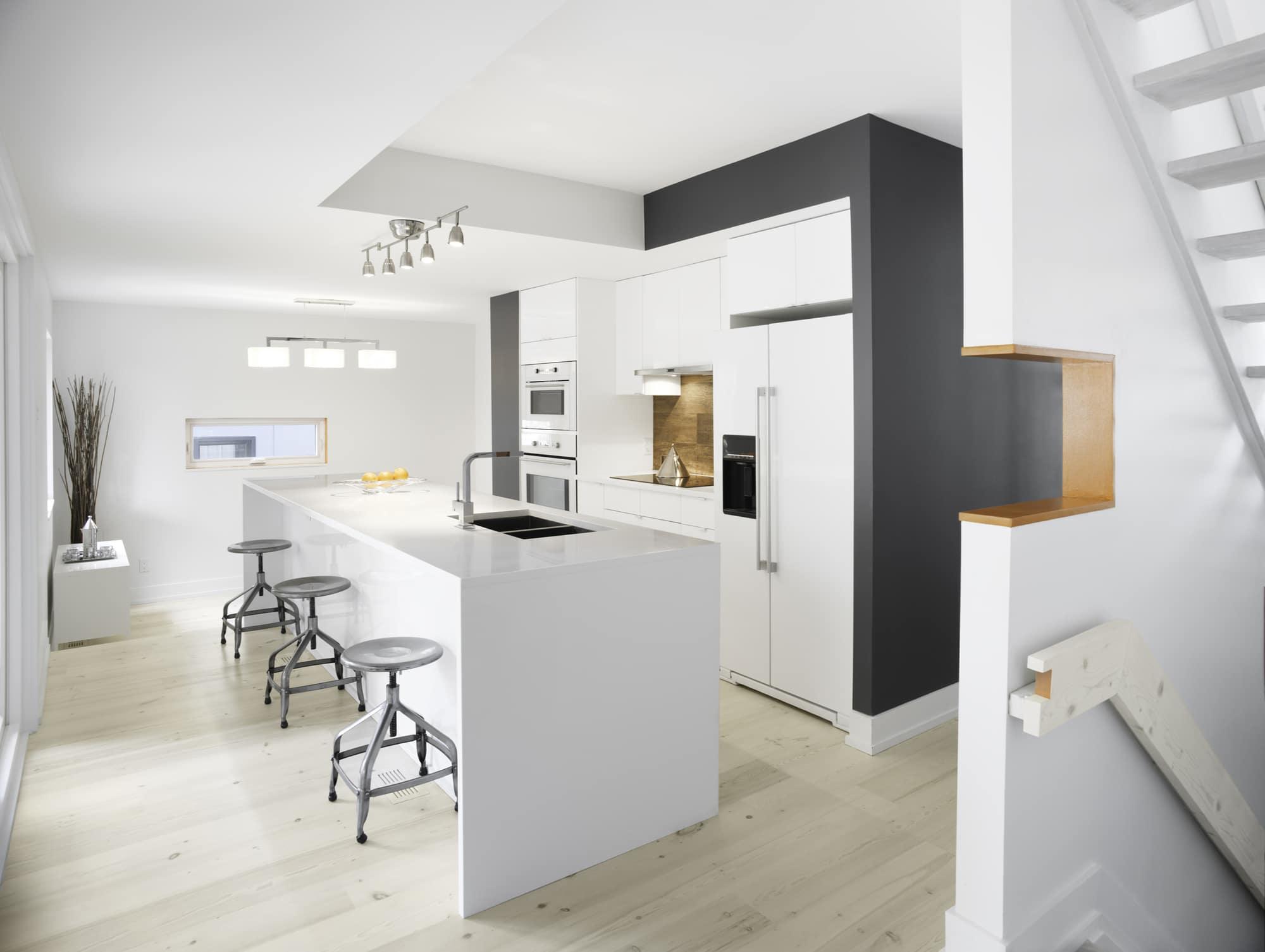Casa con fachada met lica y construcci n ligera - Casas diseno moderno ...