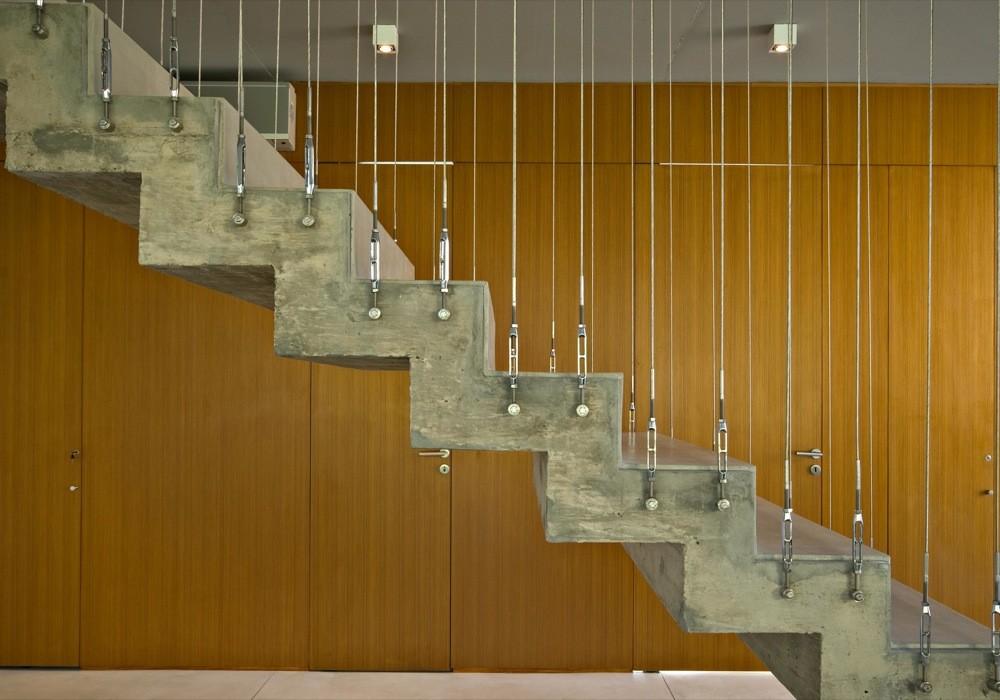 Casa en la horqueta disfruta de la utilizaci n de for Planos de escaleras de hormigon