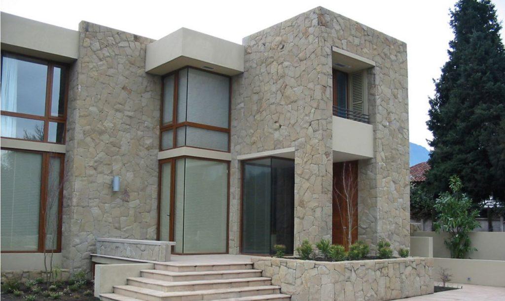 Dise os de fachadas de casas de una y dos plantas nos for Diseno de casa de 7 x 17