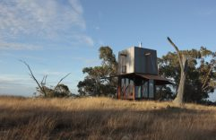 Casa de campo de tamaño muy pequeño, te compartimos una construcción segura y cómoda para camping y sus planos