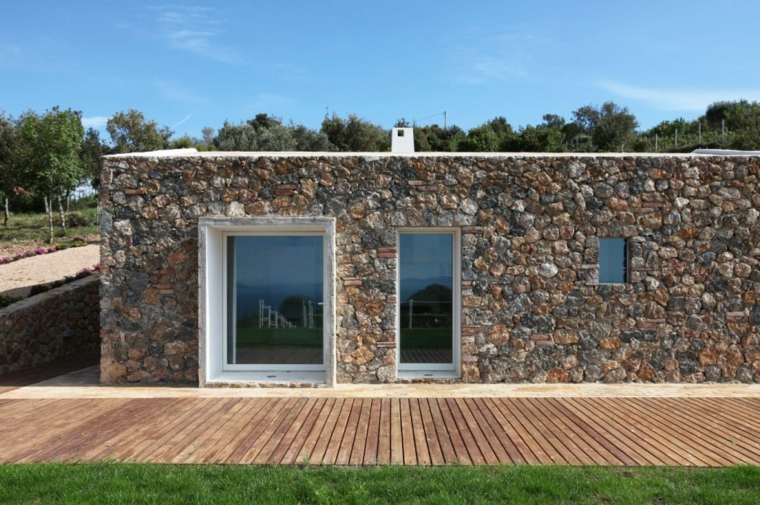Fachadas de casas de piedra natural el exterior tambi n for Fachada de casas modernas con piedras