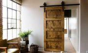 Increíbles imágenes de puertas de estilo granero para cualquier espacio que tengas en tu hogar
