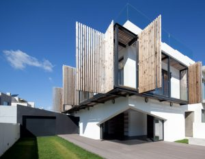 Diseño de balcón plegable, una opción ajustable de acuerdo al clima, ingreso del sol y aire controlados
