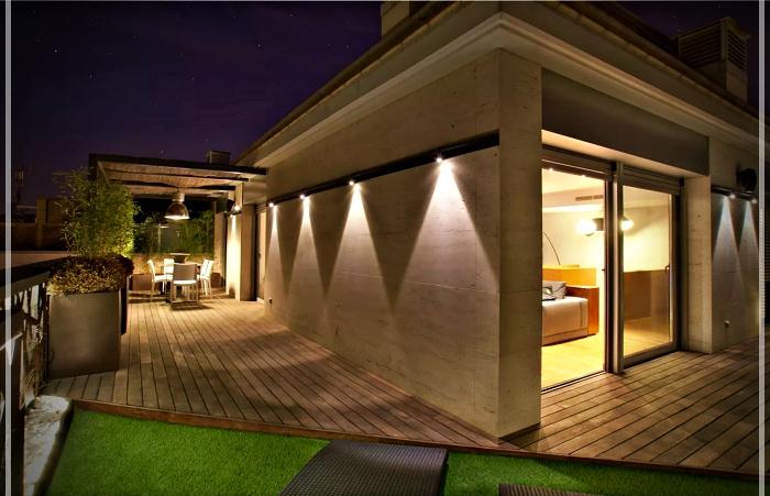 Dise o de tico con terraza en barcelona ideas y - Atico terraza barcelona ...