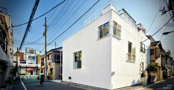 La casa balcón – una construcción simple por Takeshi Hosaka Architects