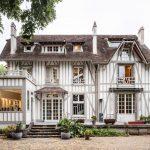 Casa de madera del siglo diecinueve – renovación creativa con acabados modernos
