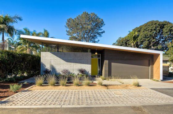 Casa moderna de un piso con estructura de hormig n y for Casa moderna hormigon
